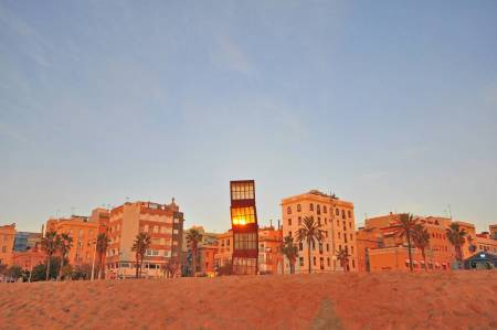 Barcelona: 2 Hours Walking Tour In Barceloneta Beach District