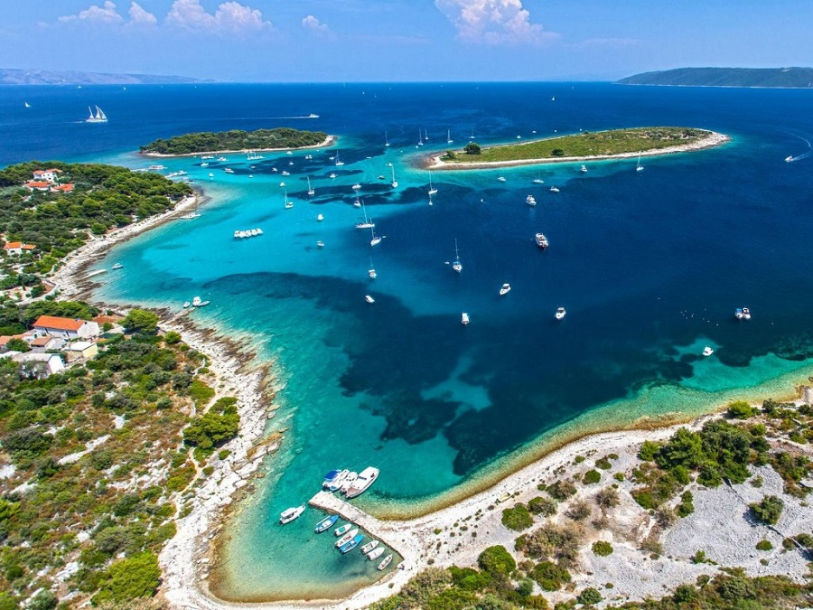 Full Day Boat Tour To Blue Lagoon And Solta Island From Split Or Trogir