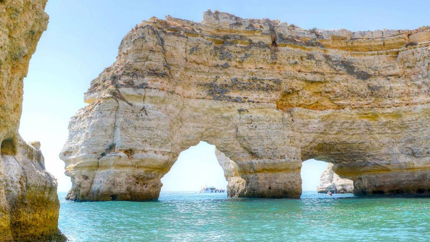 Catamaran Tour To The Benagil Caves From Albufeira