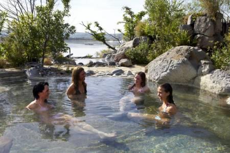 Von Tauranga: Rotorua Geothermal Geyser Tour Und Polynesian Spa Mit Mittagessen
