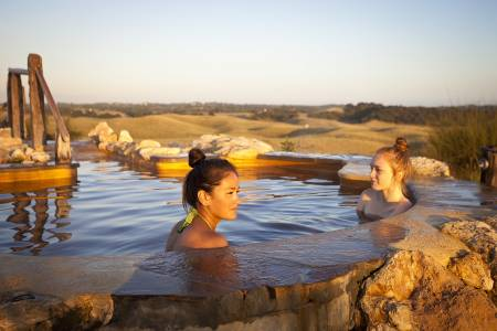 Melbourne: Day Tour To Peninsula Hot Springs & Lunch