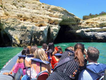 From Portimão: 2H30 Dolphin Watching Boat Tour & Visit To The Benagil Caves