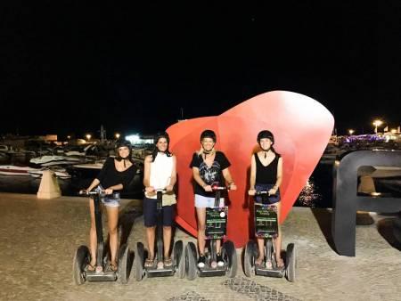 Faro: Excursão Noturna De Segway De 1 Hora Na Cidade Antiga Com 2 Coquetéis