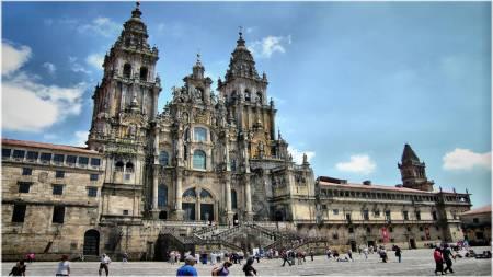Desde Oporto: Excursión De Día Completo A Viana Do Castelo Y Santiago De Compostela
