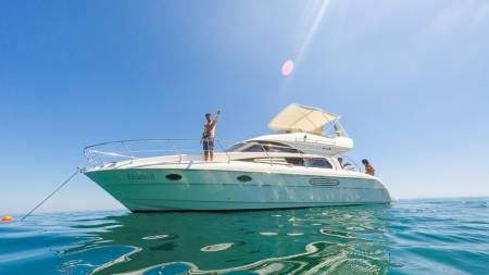 Desde Lisboa: Full Day Yacht Tour Privado En Arrábida