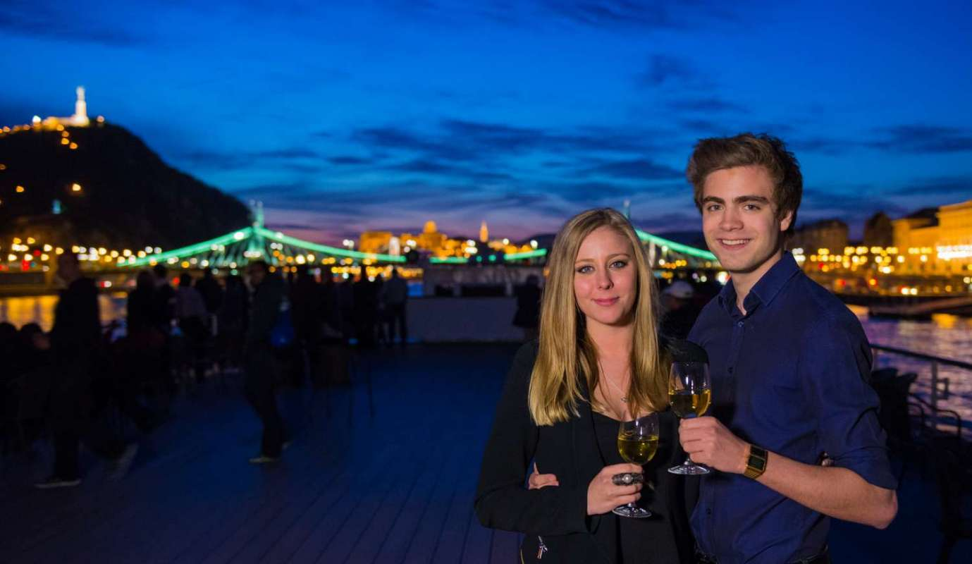 Budapest: Late Night Dinner & Cruise On The Danube River