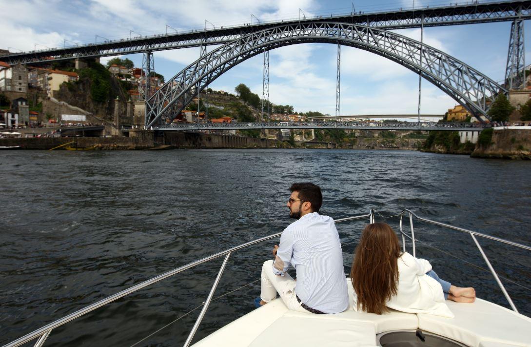 Half-Day Cruise Along 6 Bridges Of The Douro River And Crestuma-Lever