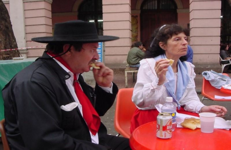 Buenos Aires: Mataderos Fair Guided Tour