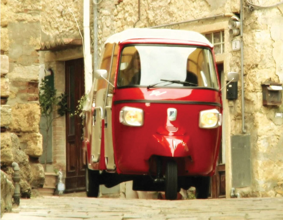 Visit The Chianti Region On Board Of The Original Piaggio Ape Calessino