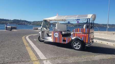 Lisbon: Private Tuk Tuk Tour In Graça, Mouraria And Alfama