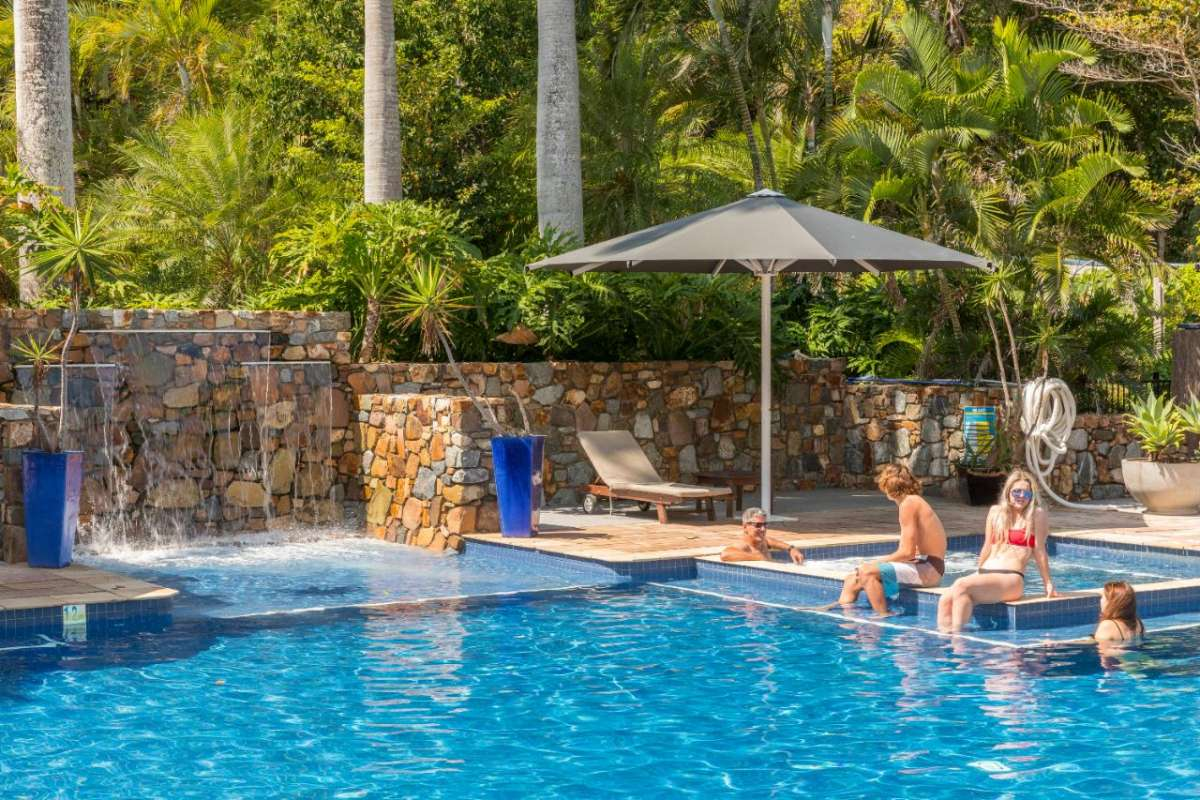 Airlie Beach: Jet Ski Tour With Visit To Palm Bay Resort & Pizza Lunch