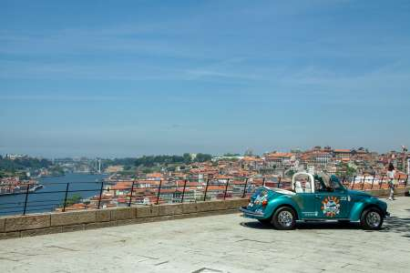 2-Stündige Geführte Stadtrundfahrt In Porto. Mit Dem Cabrio-Käfer