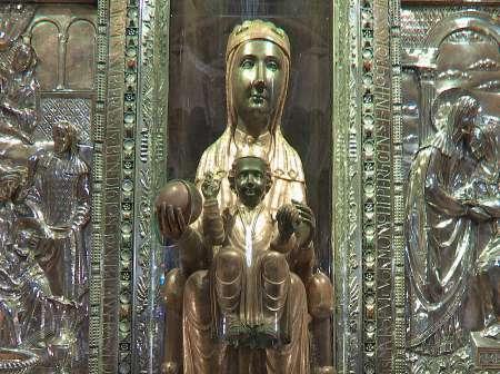 Von Barcelona: Halbtagestour Nach Montserrat Und Seinem Museum