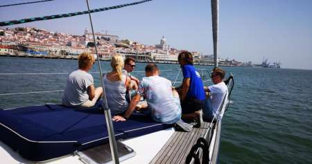 2-Hour Sightseeing Sailing Yacht Tour In Lisbon
