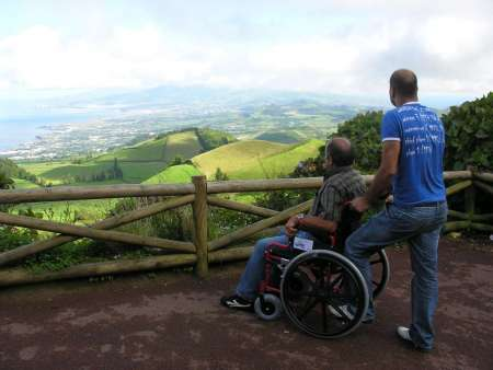 From Ponta Delgada: Adapted Van Excursion To Sete Cidades Lagoon And Lagoa Do Fogo