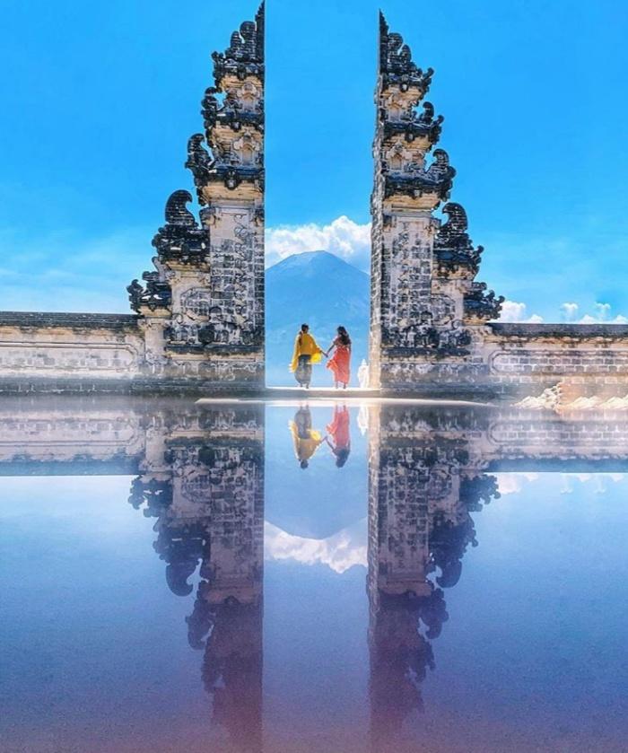 Bali Instagram Tour: Visit Lempuyang Temple & The Most