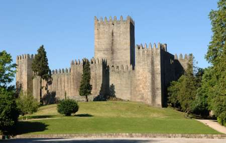 Full Day Historic Tour To Braga & Guimarães With Lunch