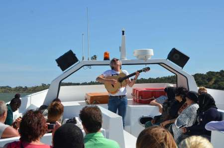 Full-Day Guadiana River Cruise With Live Music & Barbecue