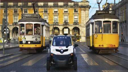 Electric Car Tour To Lisbon's Viewpoints With GPS Audio Guide
