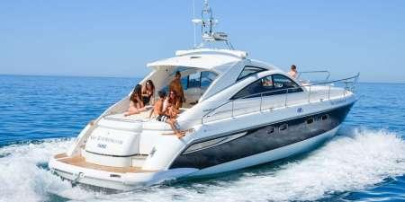 Private Yacht Hire In The Algarve – São Lourenço Fairline Targa 47