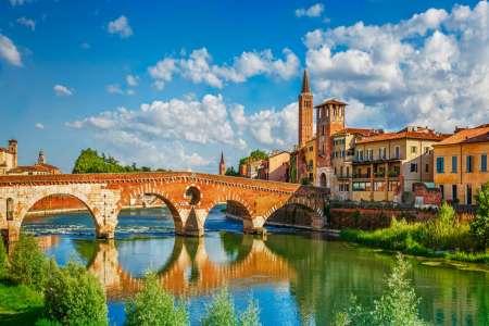 Verona High Speed Train From Venice: Vip Semi-Private Experience With Prosecco
