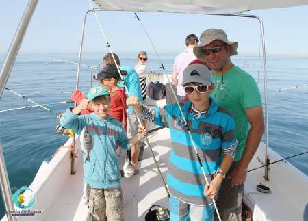 From Fuzeta Island: 2,5-Hour Sport Fishing Tour In The Algarve Ria Formosa