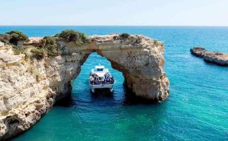 Desde Vilamoura: Tour De 3,5 Horas Por Las Cuevas De Benagil Con Degustación De Productos Regionales