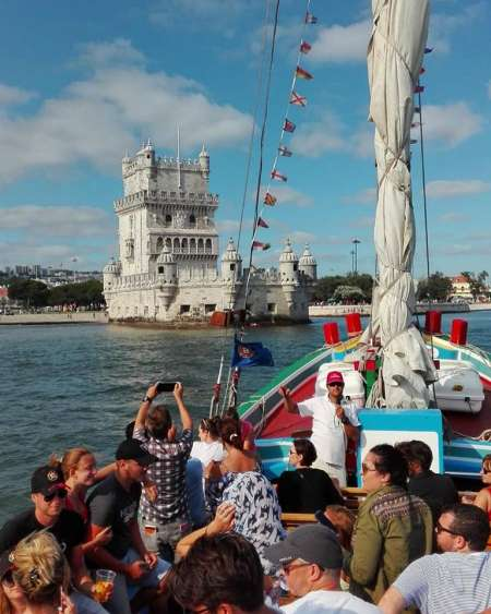 Lisbon: 2-Hour Cruise In The Tagus River On Traditional Boat