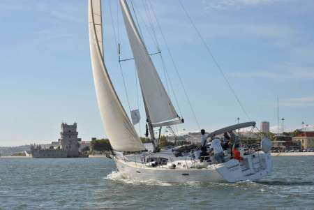 Old Town Lisbon Sailing Tour – Discover Lisbon From A New Perspective