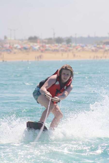 Experiencia De Wakeboard En La Playa De Armação De Pêra