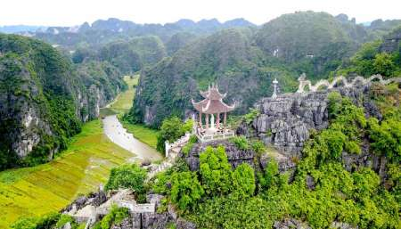 From Hanoi: Full-Day Tour To The Mua Cave And Trang An