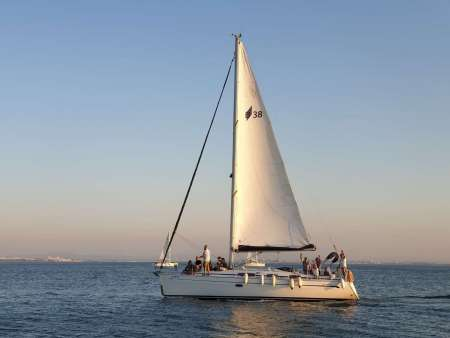 Lisbon: 2-Hour Private Sunset Cruise