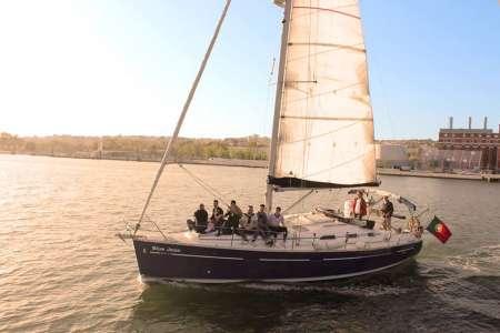 Lisbon: 2-Hour Sunset Sailboat Tour