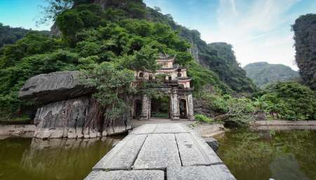 From Hanoi: Private Full-Day Tour To Hoa Lu And Tam Coc