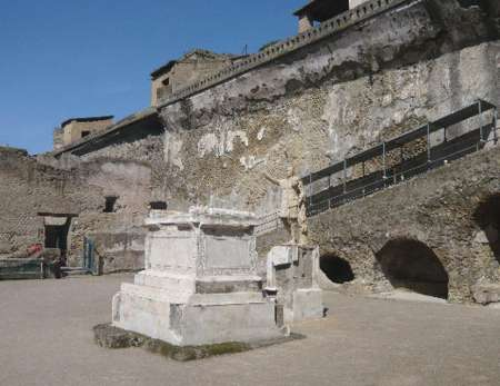 From Naples: Excursion To Ercolano And Mount Vesuvio With Winery Tour