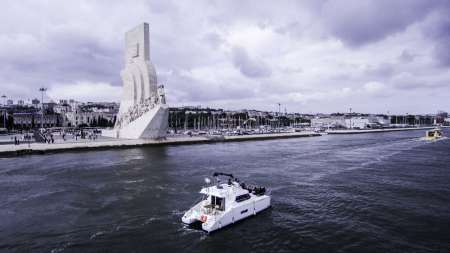 2-Hour Private Catamaran Tour In Lisbon
