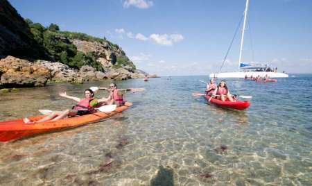 Sesimbra: 4-Hour Kayak Tour In Arrábida