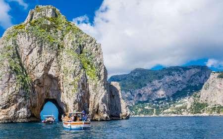 Desde Nápoles: Tour De Día Completo En Barco A La Isla De Capri