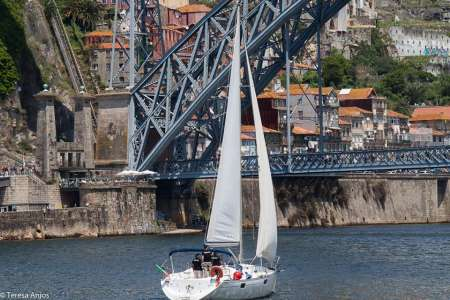 Porto: 2-Hour Private Morning Sailboat Tour On The Douro River With Brunch