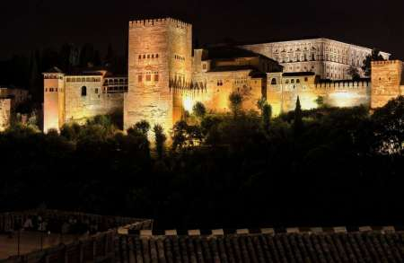 Granada: Alhambra Guided Night Tour For Small Groups