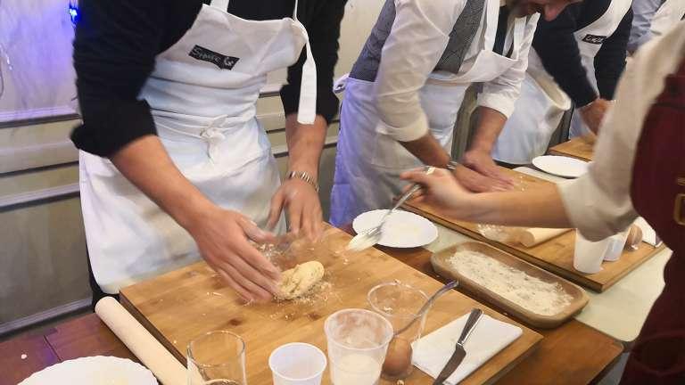 Rome Cours De Cuisine De Pates Au Coucher Du Soleil Dans Le