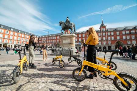 Madrid: Half-Day E-Bike Tour To City Highlights & Parks