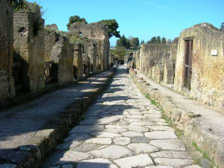 From Naples: Visit To Pompeii, Ercolano And Mount Vesuvius With Winery Tour