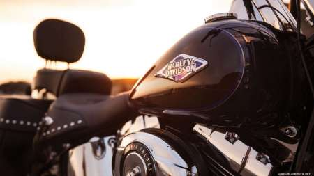 Barcelona: Ride A Harley Davidson & Join A Sailboat Tour