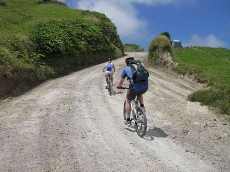 São Miguel: Tour De Medio Día En Bicicleta A Sete Cidades