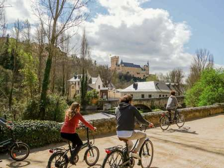 From Madrid: E-Bike And City Tour In Segovia With Visit To The Alcazar