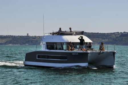 Lisboa: Excursão Privada De 2 Horas Em Catamarã Para 18 Pessoas