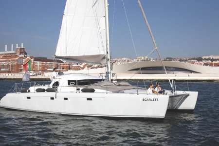Lisbon: 2-Hour Private Tour On Sailing Catamaran