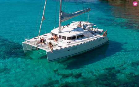 Lagos: Half-Day Deluxe Catamaran Charter In Algarve