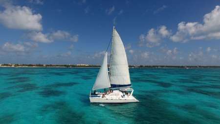Cancun: Full-Day Sailing Tour In Luxurious Catamaran To Isla Mujeres With Lunch